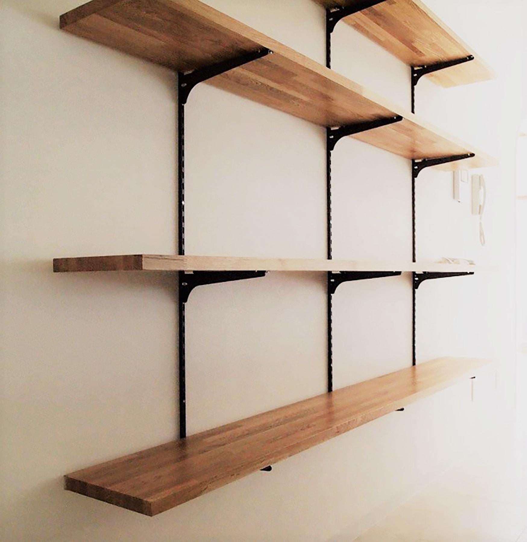 ~飾り棚プラン例~ 風合いのある足場板を使用した飾り棚設置(同一タイプ) 工事費25万